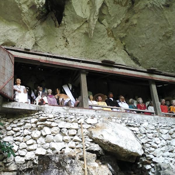 Tana Toraja, Wisata Kuburan Kuno yang Eksotis Sekaligus Mistis
