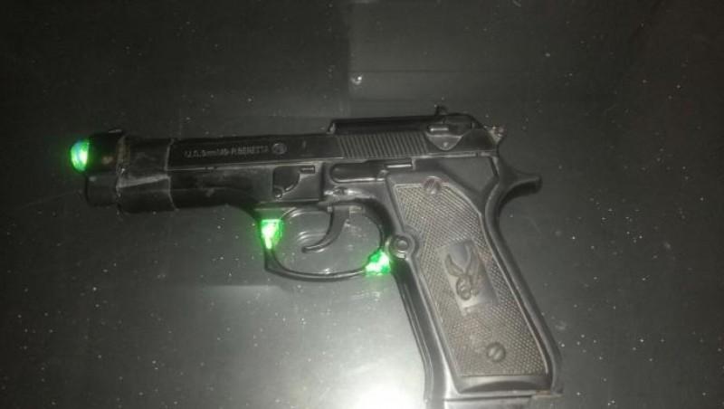 Pistol mainan yang digunakan pelaku