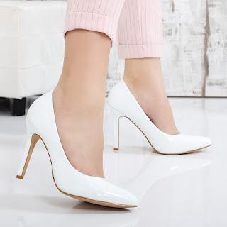 Pantofi Charlotte albi de ocazie piele eco lacuita