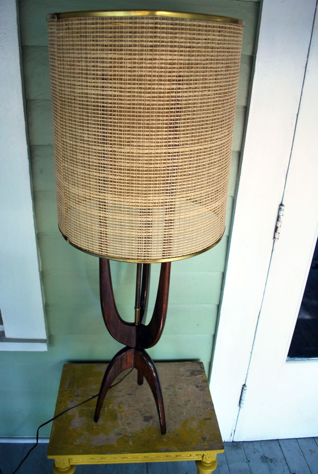 Junk2funk Mid Century Teak Boomerang Lamp