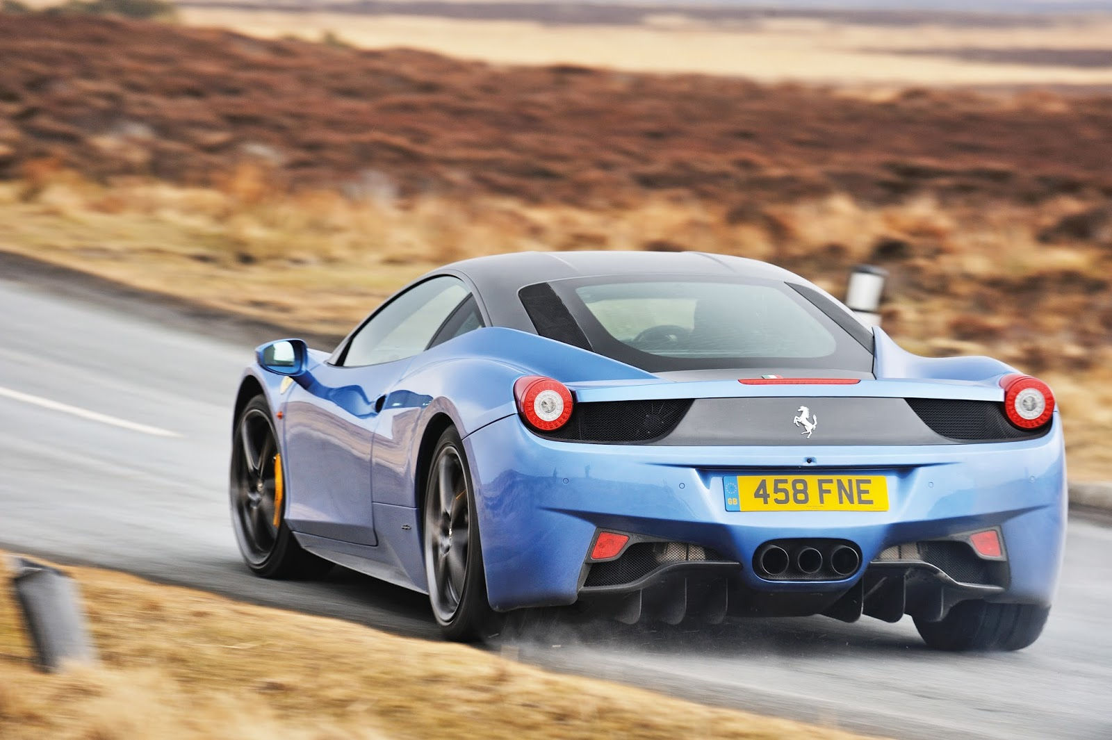 Top 5 Greatest V8 Ferraris Thegentlemanracer Com