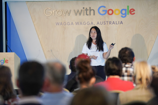 Photo of Googler Hayley Yu sharing small business tips with Wagga businesses at the event
