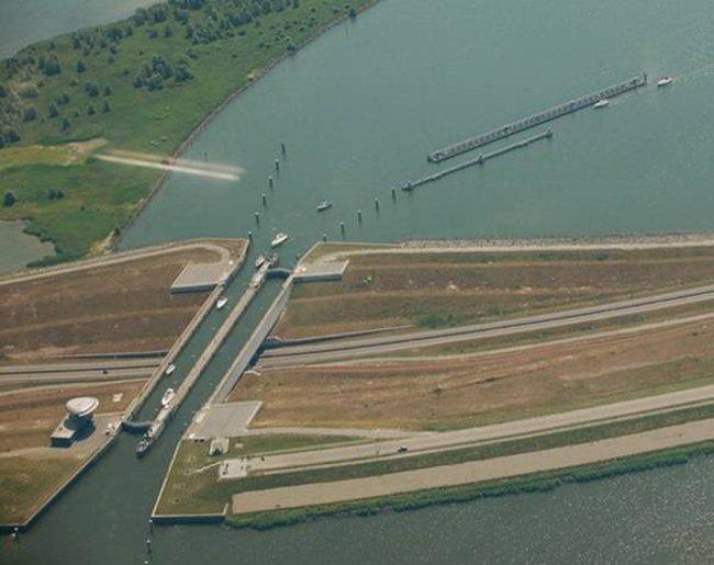 Cầu nước Naviduct Krabbersgat - Hà Lan