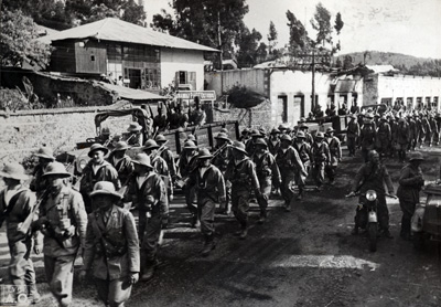 Italian soldiers marching to the Italo-Ethiopian border.