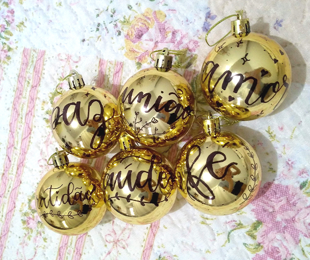 bolas-de-natal-personalizadas-lettering-tamaravilhosamente