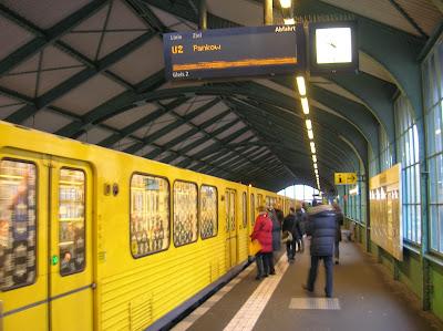 Metro de Berlín (U-Bahn),  Berlin, Alemania, round the world, La vuelta al mundo de Asun y Ricardo, mundoporlibre.com