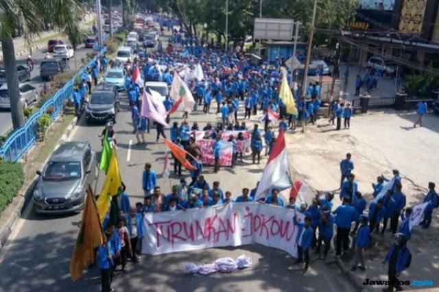 Jokowi Didesak Mundur Jadi Presiden, Ini Reaksi PDIP