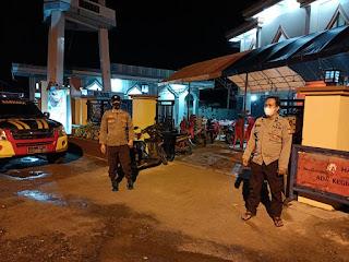 Beri Rasa Aman, Personil Polsek Cendana Lakukan Pengamanan Di Mesjid Nurul Hidayah Baba
