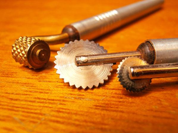 Las herramientas para repujar en aluminio aracelyasmine for Herramientas que se utilizan en un vivero