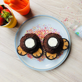 cakes with Oreo tails
