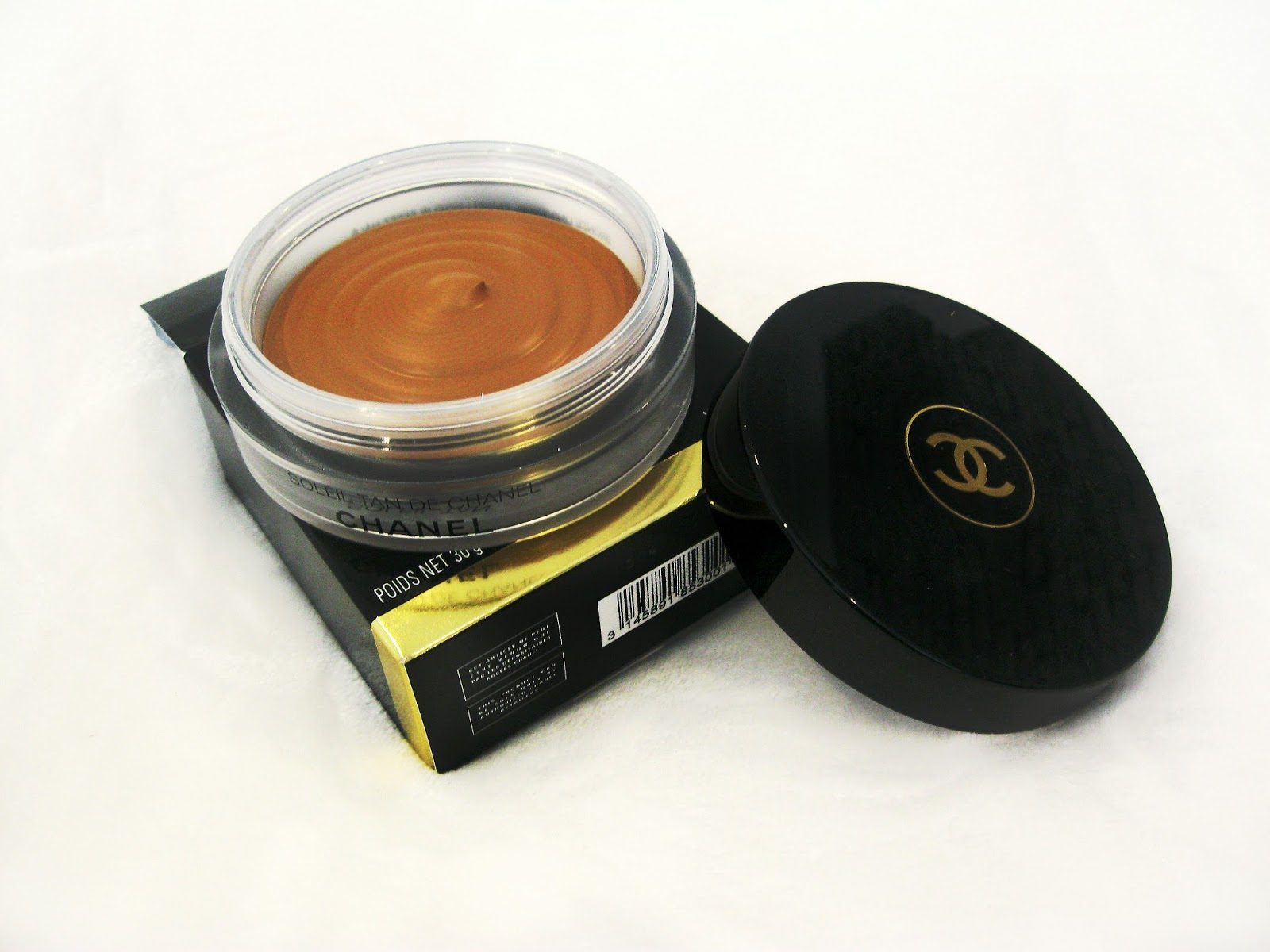soliel tan de chanel, chanel bronze universal, chanel bronzer, chanel liquid bronzer, chanel cream bronzer, chanel bronzer pale skin, bronze universal pale skin, soleil tan de chanel on pale skin, best cream bronzer for light skin