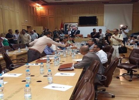 مجلس وجدة يصادق على الميزانية والداخلية ترفض الزيادة في حصة TVA