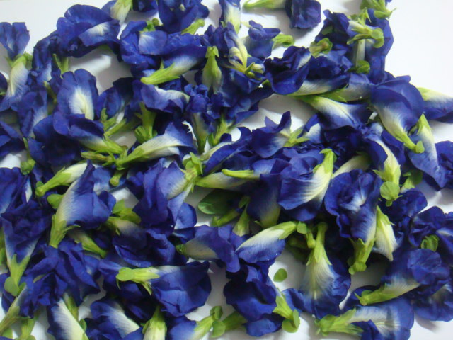 Take Blue Pea Flowers Around 100 G Clean It And Of Stem As This