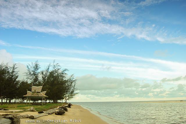 Keindahan Pantai Tanjung Penghujan di Pangkalanbun