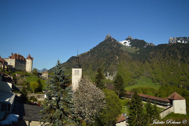 Château et clocher de Gruyères