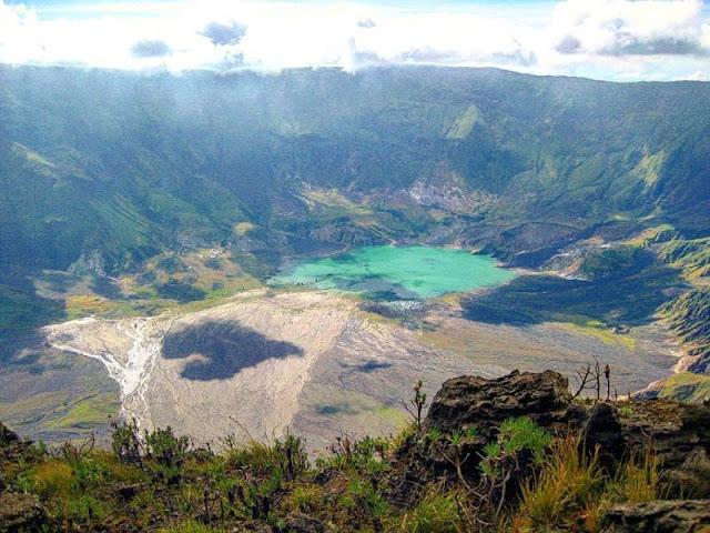 kaldera gunung tambora
