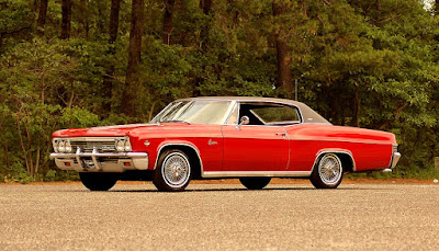 1966 Chevrolet Caprice Coupe Front Left