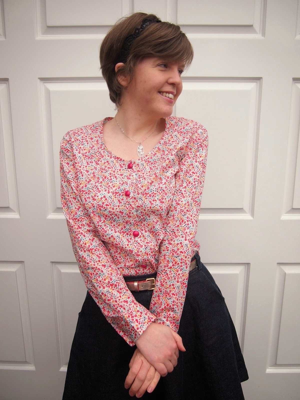 379806e6e053 And all those lovely colours combine with Sewaholic's Oakridge pattern to  make pretty much the perfect blouse for spring.