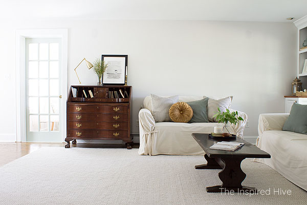 A modern traditional living room makeover. A combination of farmhouse charm, antique finishes, and minimal modern style.