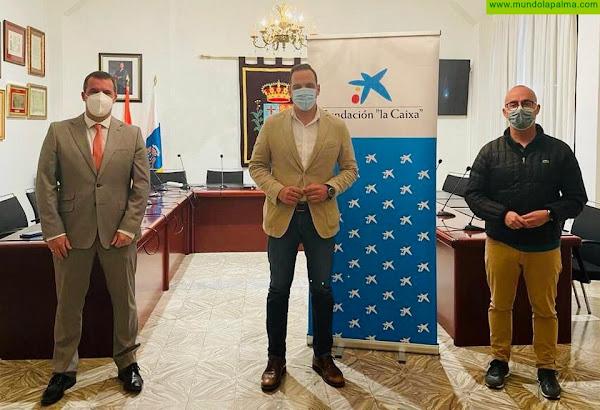 """CaixaBank y la Fundación """"la Caixa"""" aportan 5.000 euros a los programas de Asuntos Sociales del Ayuntamiento de Breña Alta"""