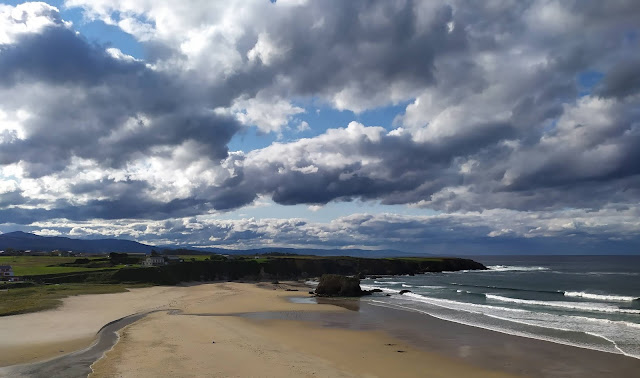 nubes-otoñales-playa