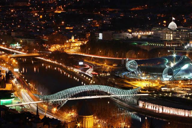 Dispersan en Tbilisi manifestación a la fuerza