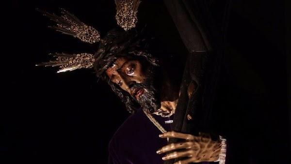 Las cornetas de las Tres Caídas de Triana acompañaran al señor de la Pasión de Almería en su extraordinaria