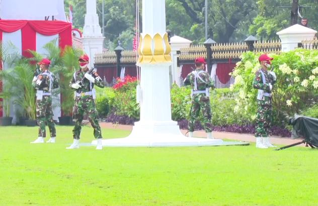 Tinjau Gladi Kotor Upacara HUT RI Ke-75 di Halaman Istana Merdeka