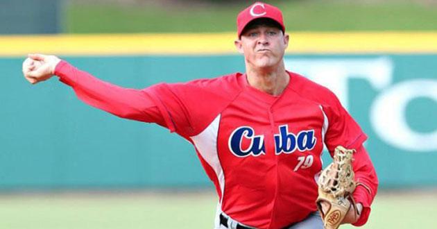 El lanzador cubano este domingo viajó a La Habana para incorporarse a los entrenamientos y ha estado en excelente forma deportiva durante toda la campaña