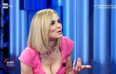 Francesca Fialdini foto di oggi conduttrice bellissima bionda