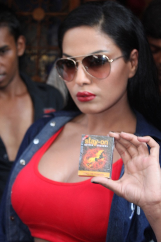Veena Malik And Rajan Verma Promote Their Movie Ziindagi