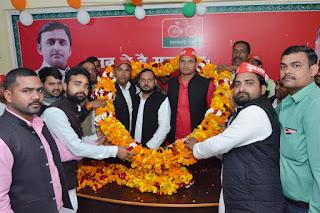 बाराबंकी आगमन पर समाजवादी लोहिया वाहिनी के प्रदेश अध्यक्ष का हुआ जोरदार स्वागत