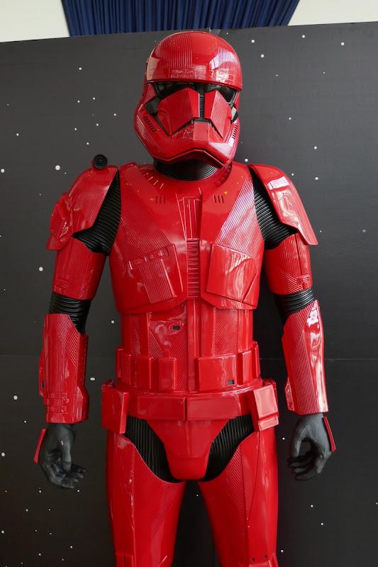 Red Stormtrooper armour Star Wars Rise of Skywalker