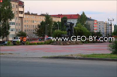 Заславль. Памятник Рогнеда и Изяслав