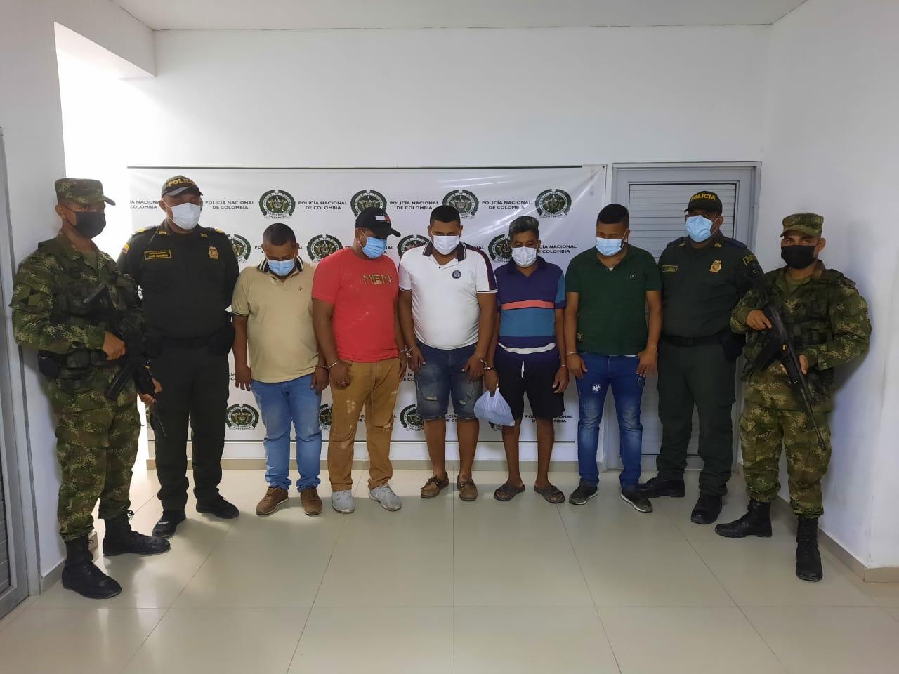 hoyennoticia.com, En tiroteo la Policía decomisa dos granadas y captura cinco sujetos del Clan del Golfo