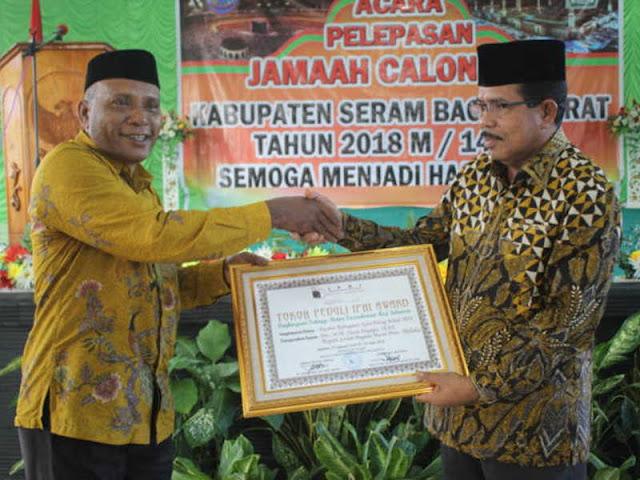 Yasin Payapo Jadi Bupati Paling Peduli Ikatan Persaudaraan Haji Indonesia (IPHI)