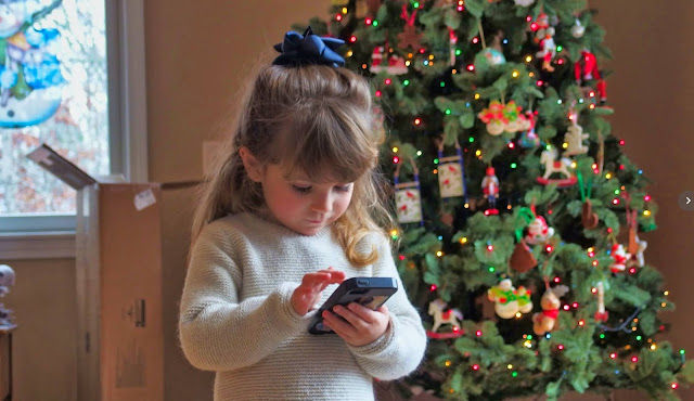 How is Christmas celebrated around the world