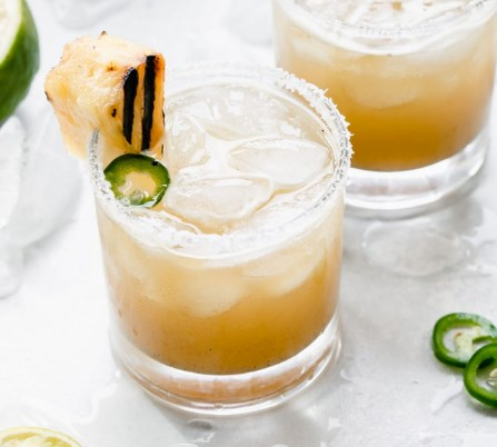 Grilled Pineapple Margarita with Jalapeno #drinks #cocktails