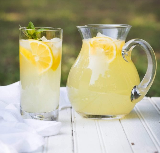 Fresh Squeezed Lemonade #drink #lemonade #fresh #delicious #party