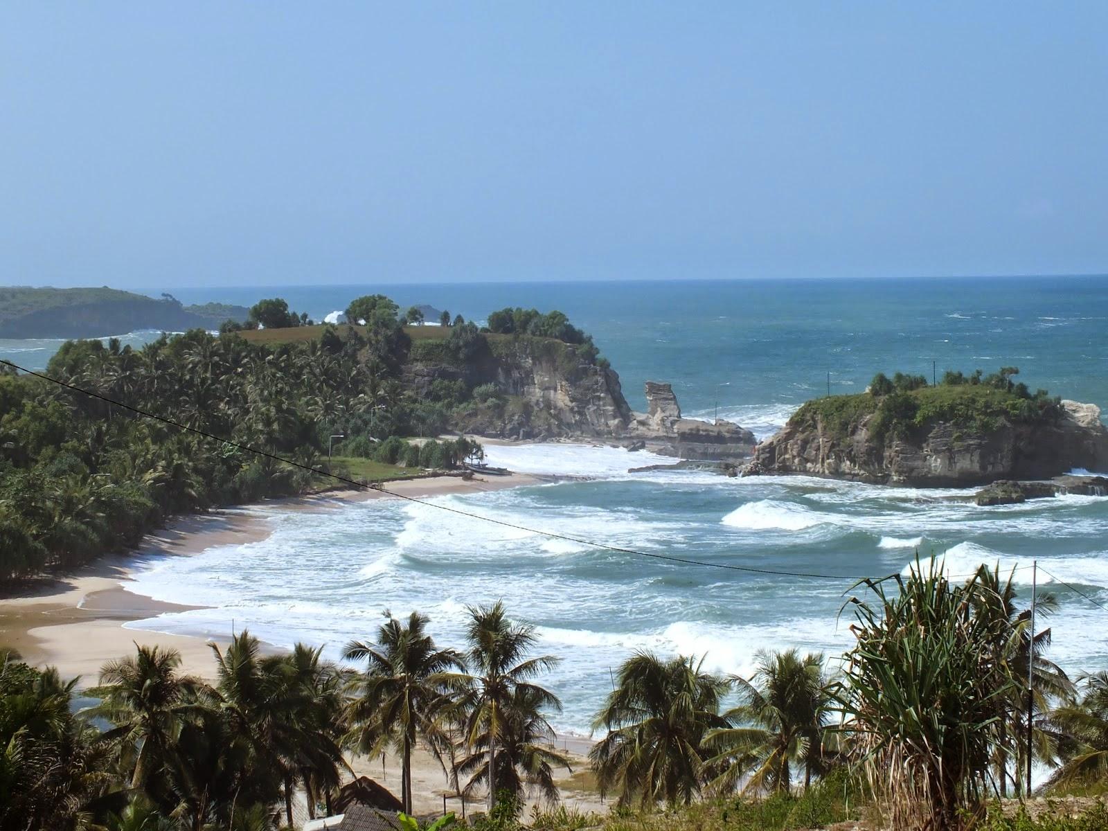 4 Keunikan Tempat Wisata di Pacitan Yakni Pantai Klayar
