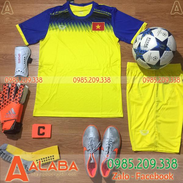 Áo bóng đá Việt Nam màu vàng