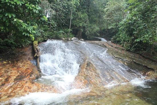 Air Terjun Batu Timah Bengkayang - Catatan Nizwar ID