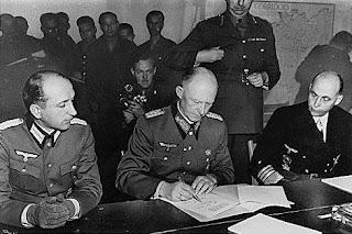 Firma de la rendición incondicional alemana en Reims, Gral Jodl