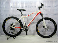 A 26 Inch Forward Fausto 1.0 24 Speed Shimano Alivio HardTail Mountain Bike