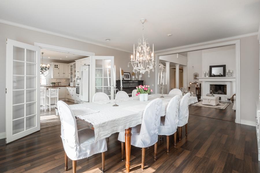 Przytulna kuchnia w stylu prowansalskim, wystrój wnętrz, wnętrza, urządzanie mieszkania, dom, home decor, dekoracje, aranżacje, styl prowansalski, provencal style, jadalnia, dining room