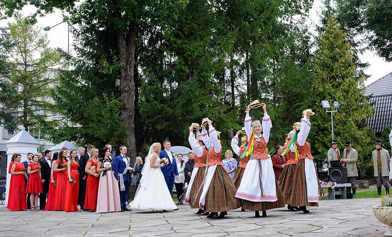 tautiniai šokiai per vestuves/ tradicional Lithuanian wedding