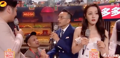 Man Rushes Onstage to Propose to Dilraba Dilmurat, Host Wang Han Praised for His Quick Thinking