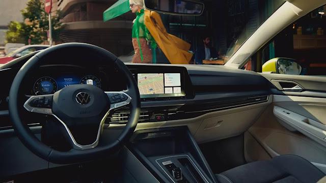VW Golf 2020: fotos mostram capô com amortecedor