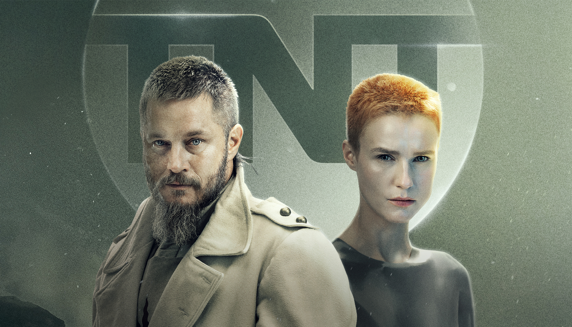 Travis Fimmel y Amanda Collins protagonizan 'Raised by wolves', serie de HBO Max y TNT España