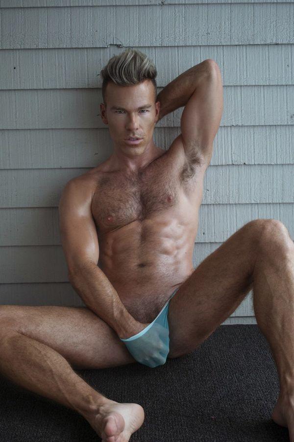 Bulge: DW Chase Shirtless by Calvin Brockington